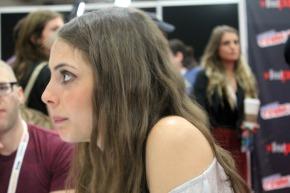 ARROW: Willa Holland VideoInterview