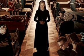 "AMERICAN HORROR STORY: Jessica Lange's ""Desecent Into Madness"""
