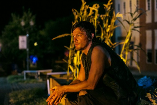The-Walking-Dead-Season-3-Episode-8-Made-to-Suffer-4