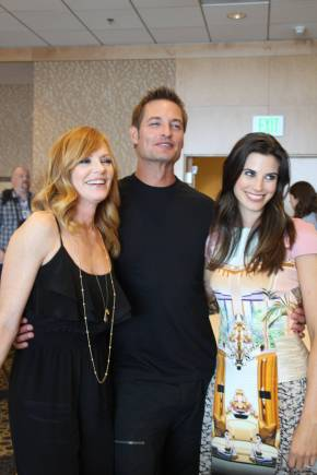 INTELLIGENCE: Josh Holloway, Meghan Ory & Marg Helgenberger Video Interview